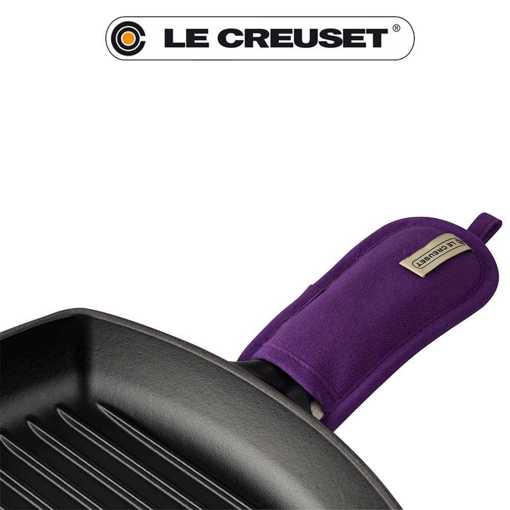 Le Creuset Handle Mitt Ultra Violet Cookfunky